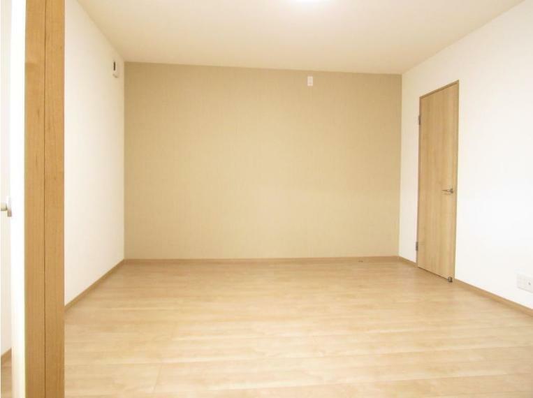 寝室 木の温もりが優しいフローリングのお部屋!