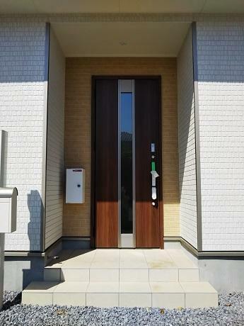 同仕様写真(内観) 玄関・ポスト・宅配ボックス