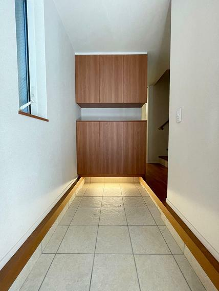 玄関 ●広々とした玄関スペース