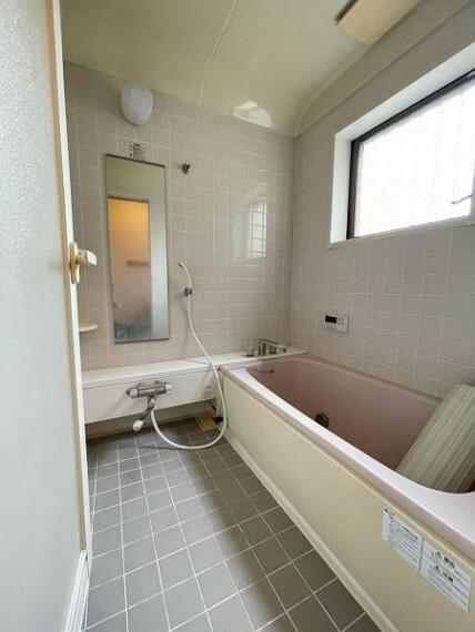浴室 のびのび一坪タイプのバス