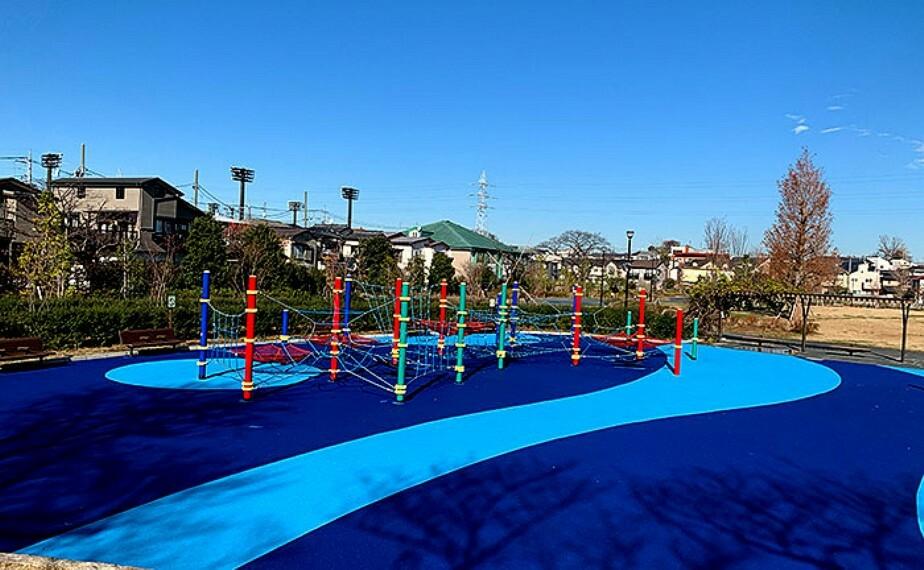 公園 杉並区立下高井戸おおぞら公園まで568mです。