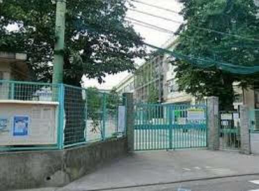 小学校 杉並区立高井戸第三小学校まで403mです。