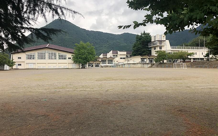 小学校 上山田小学校