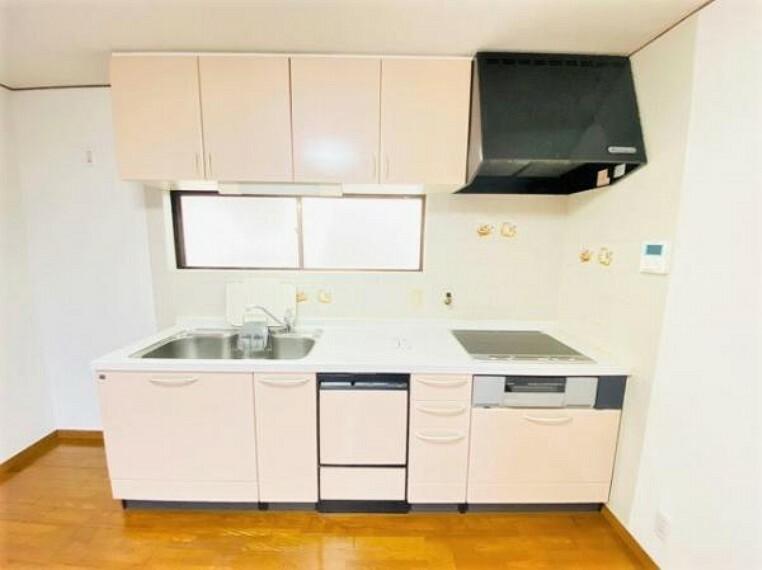 キッチン 明るい雰囲気のキッチンです。
