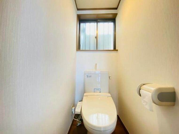 トイレ 窓付きの通気性のいいトイレ
