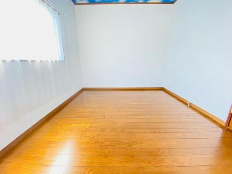 子供部屋 窓2つの明るいお部屋