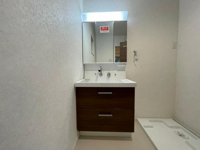 洗面化粧台 シャワー付き洗面台