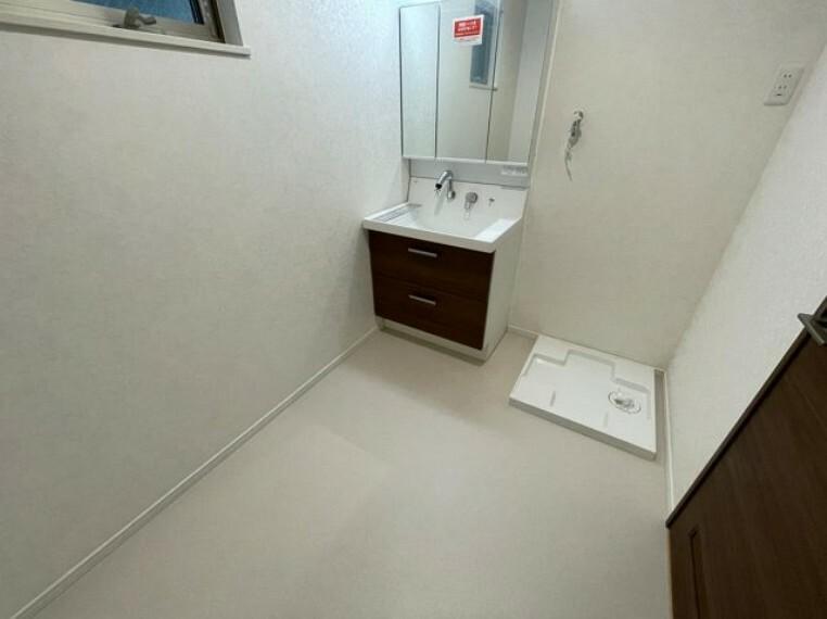 脱衣場 広めの洗面スペース