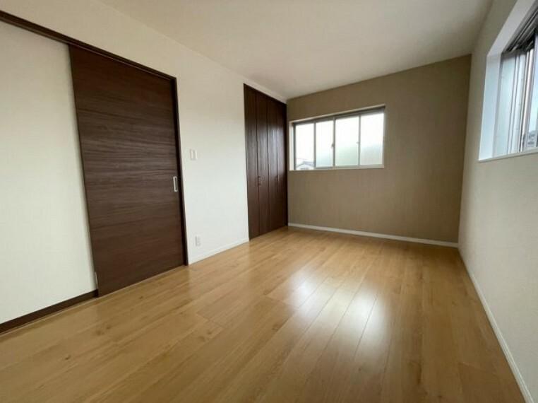 寝室 収納付き居室