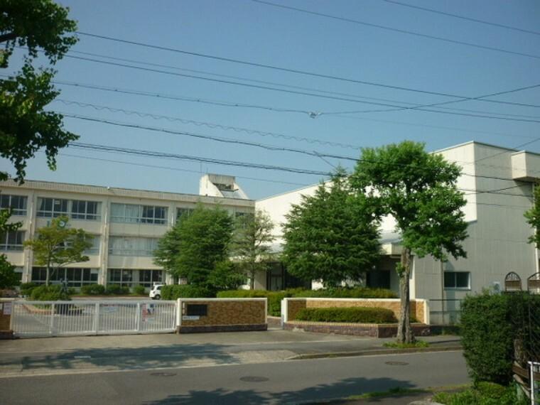 小学校 可児市立桜ケ丘小学校