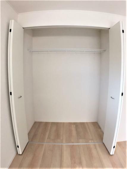 収納 収納力のあるクローゼットには、衣類や季節物用品など様々なモノを収納できます。