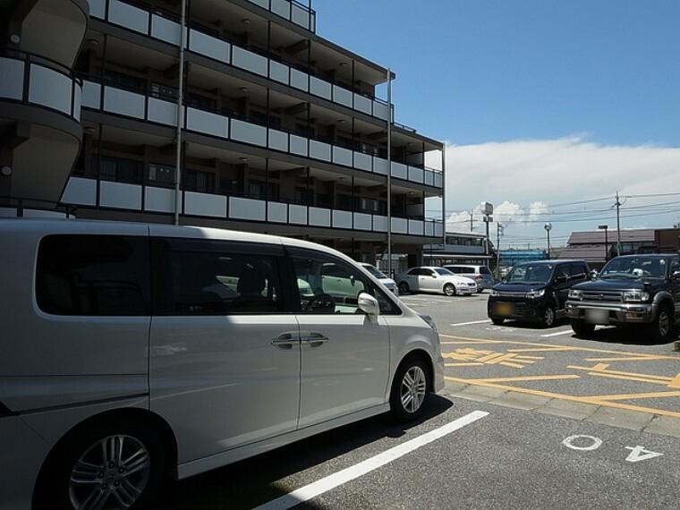 外観・現況 敷地内駐車場