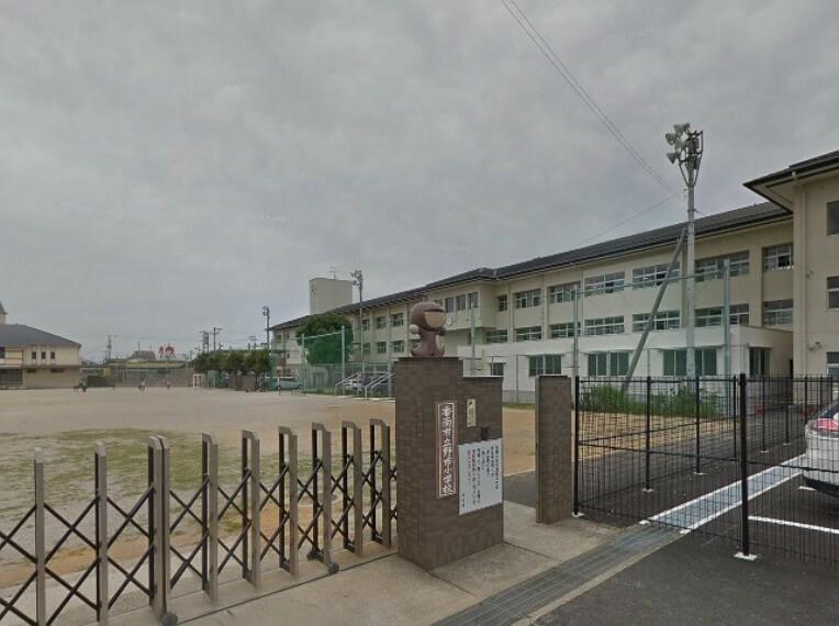 小学校 【小学校】野市小学校まで452m