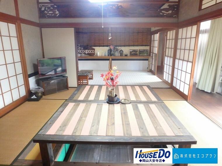 和室 障子・襖・畳など日本独特の文化が詰まった空間である和室。昔ながらの趣がある和室があることで、日本の風情が漂います
