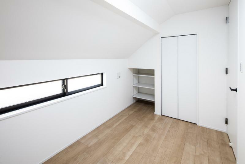 洋室 施工事例:【洋室】やさしい光と風通しの良いお部屋、爽快感のある居心地の良い空間となります。