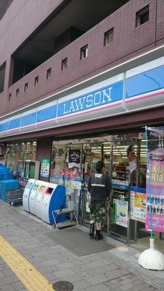 コンビニ 【コンビニエンスストア】ローソン 寿三丁目店まで185m