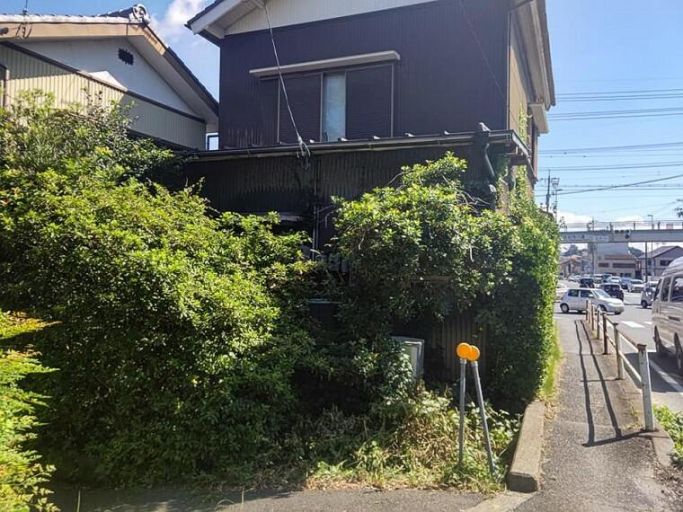 現況写真 磐田駅から北進した加茂川交差点が目印です。