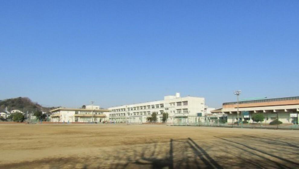 中学校 横浜市立金沢中学校 学校教育目標:いのちを大切にする心と、社会の一員としての自覚を育みます他