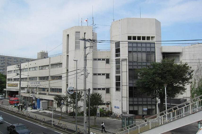 役所 横浜市金沢区役所