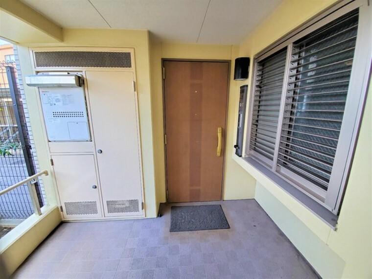 玄関 安心の1階住戸