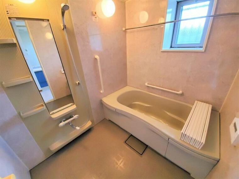 浴室 マンションでは貴重な窓付きバスルーム