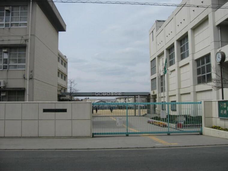中学校 【中学校】寝屋川市立第二中学校まで769m