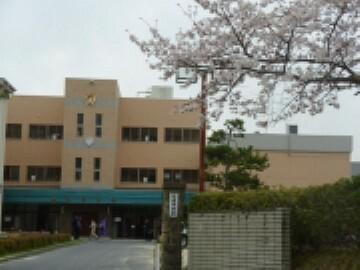 中学校 【中学校】甲賀市立信楽中学校まで622m