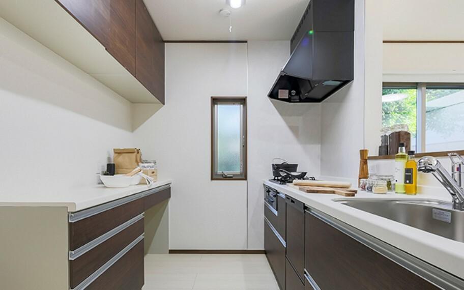 完成予想図(内観) 当社分譲施工例:キッチン