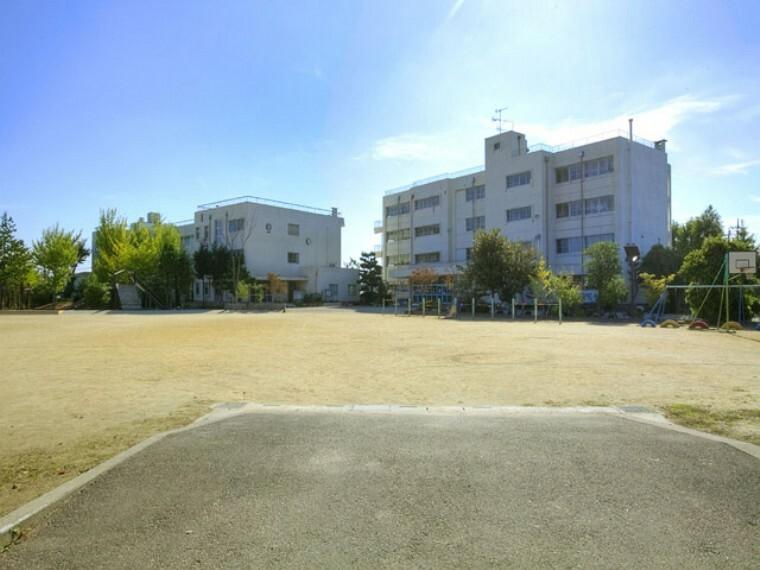 小学校 【小学校】越谷市立大相模小学校まで1121m