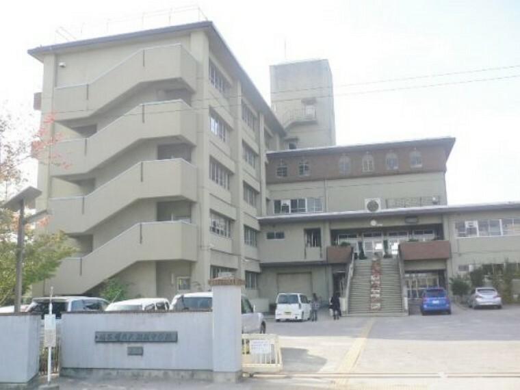 中学校 【中学校】越谷市立大相模中学校まで575m