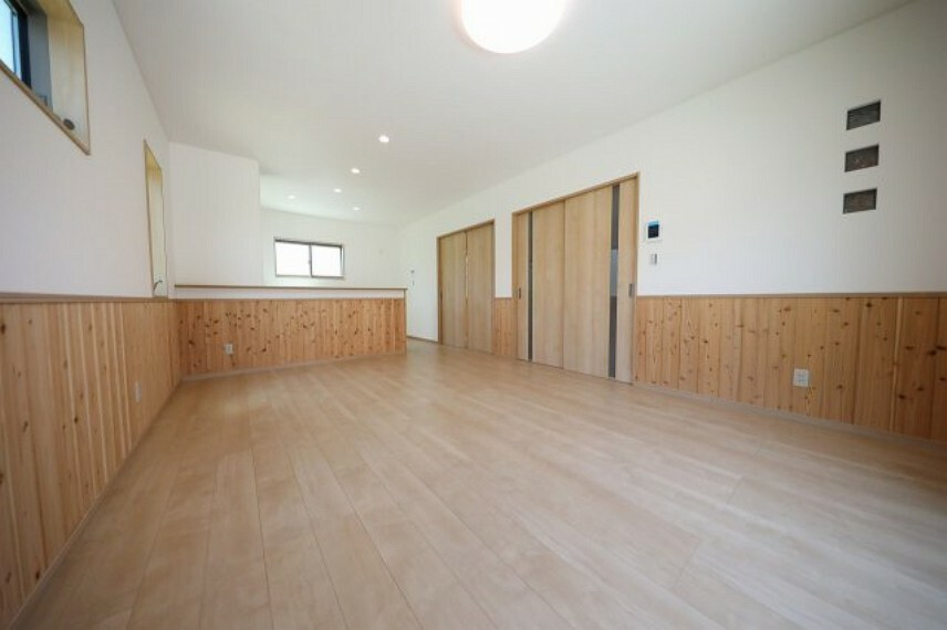 居間・リビング 広々16帖のリビングは家族の憩いの場になります。