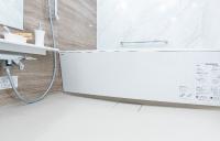 リラックスできる低床型浴槽