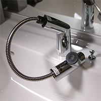 シングルレバー式水栓(ヘッド引き出しタイプ)