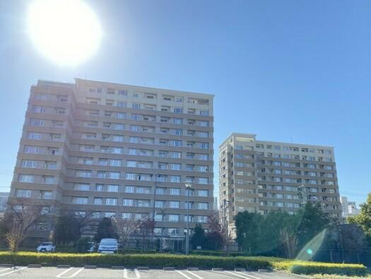 セントラルガーデンレジデンスB棟の外観